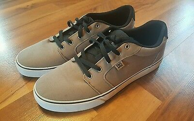 DC Tan Canvas Sneakers Men's Shoes US size 13 Excellent Used Condition