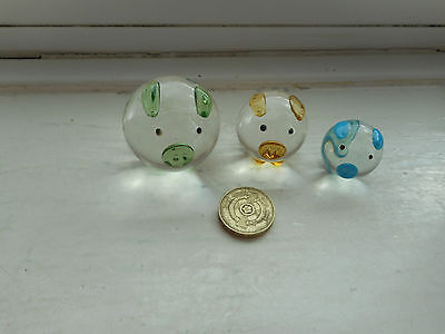 Pig - Beautiful Set Of 3 Miniature Clear And Coloured Glass  -  Round Pigs