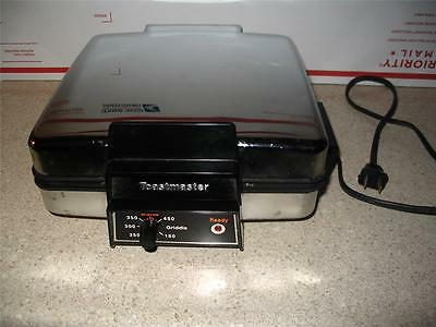 Vintage Toastmaster Electric Waffle Griddle 4 Place 4x4 inch tasty waffles
