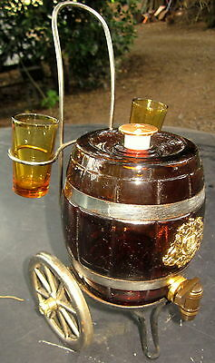 early 1960's amber glass port barrel with two matching port glasses - Japan