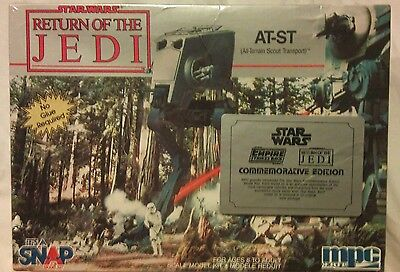 Star Wars At-St/all Terrain Scout Transport 1:48 Scale Model Kit