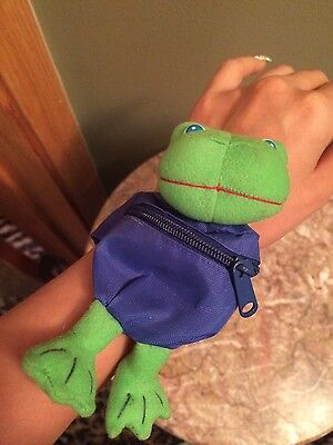 Vintage Russ plush coin purse frog wrist pack zipper blue green 1980's 1990's