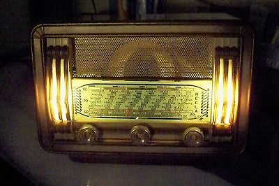 French art deco Juke box lighted radio Reela from 1954 SW, LW and MW