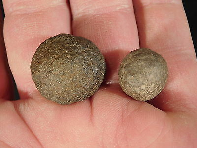 A TINY! 100% Natural Pair of Moqui Marbles or Shaman Stones From Utah 10.6gr