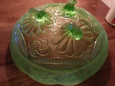 """Northwood Green Opalescent 3 Footed 7 7/8"""" Bowl Ruffles, Rings & Daisies"""