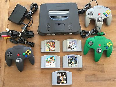 Nintendo 64 console with 3 controllers & 5 games