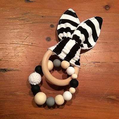 Natural Wood & Silicone Beads,Crinkle Sound Bunny Ears Teething Ring Toy, Black