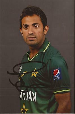 PAKISTAN: WAHAB RIAZ SIGNED 6x4 PORTRAIT PHOTO+COA