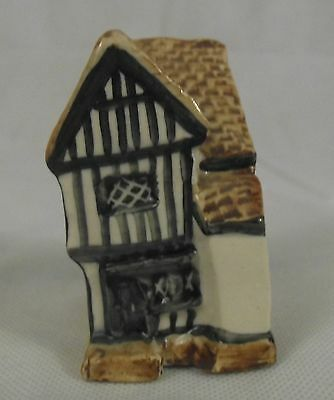 Tey Pottery - Crooked House at Lavenham - No 35