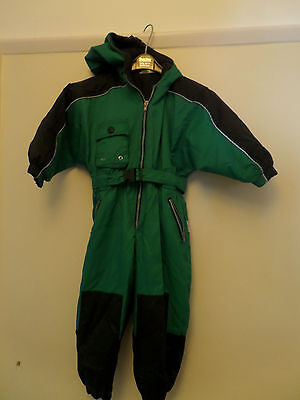 Boys or Girls all in one snow suit110cm (approx. age 3-6)