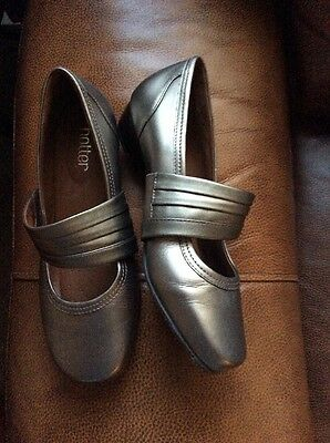 Hotter Woman's Grey Leather Shoes,size 6.5��