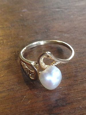 14K Yellow Gold Pearl Ring 2.0 Grams Size 6.5