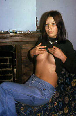*M54 VINTAGE SEXY PINUP WOMAN 35MM SLIDE =Pretty Model Posed In Denim Jeans=