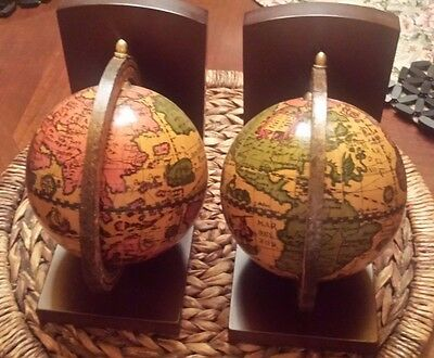 Vintage Old World Wooden Bookends, Made in Italy - EUC
