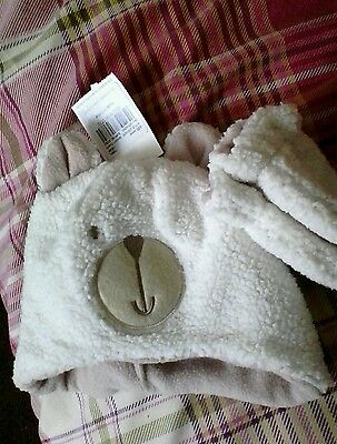 cream hat and mitts 3-6 months New