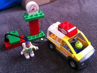 Lego Duplo Toy Story 3 set 5658 'Pizza Planet' all pieces