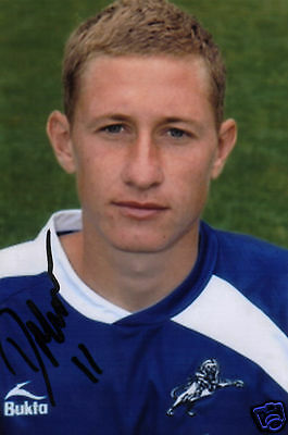 MILLWALL: DAVE MARTIN SIGNED 6x4 PORTRAIT PHOTO