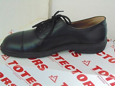JOB LOT OF 8 PAIRS size 7.5 'TOTECTORS' SMART MANAGERS,  HOTEL/PUB STAFF SHOES.