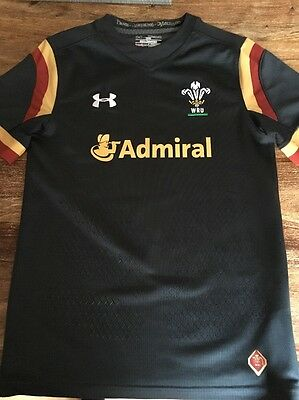 Boys Wales Under Armour Away Rugby Jersey Medium Age 9-10 Excellent Condition