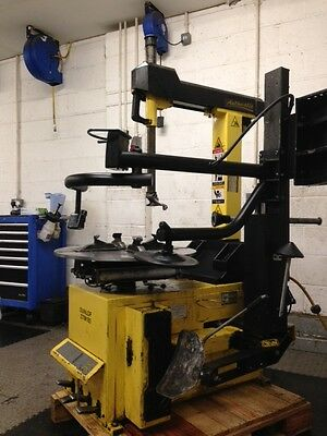 Dunlop Tyre changer (1PH) With Assist Arm
