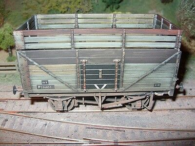 O Gauge Lionheart 7 plank BR open wagon with coke rails, very nicely weathered