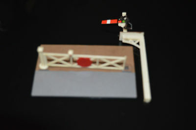 Model railway level crossing gate and signal