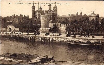 Ak London City, View of the Tower from Tower Bridge, Themse - 1056312