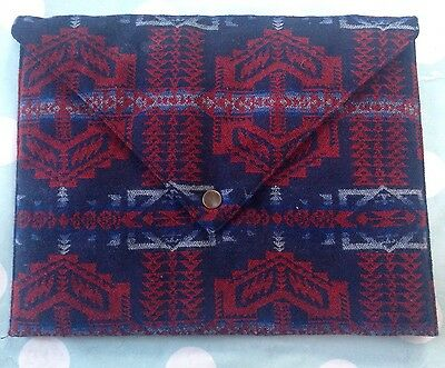 New Canada Goose Pendleton Padded Silk Lined Sleeve/pouch/bag