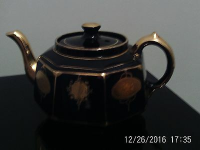 Vintage Gibsons Black and Gold octagonal teapot
