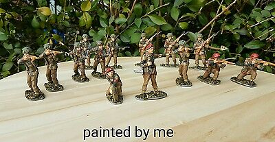 Pre painted 14 WWII British Paratroops 1:32 for display or wargaming