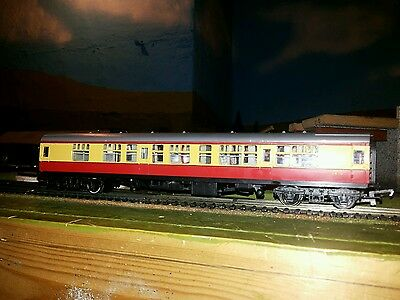 Hornby OO BR Mk1 Composite CK Coaches in Red / Yellow  livery