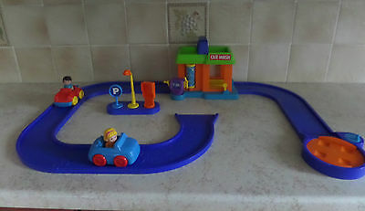 Elc Happyland Car Wash With Road Track, Cars, Figures & Signs
