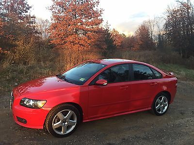 2005 Volvo S40 T5 T5 4 dr Sedan Red Leather, remote start, bluetooth, one owner, dealer maintained