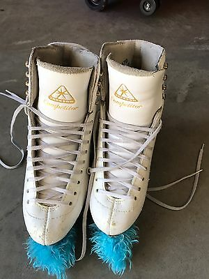 Used Jackson Competitor Ice Skates. Blades Are Ultima Aspire XP. Size Is 5.5B