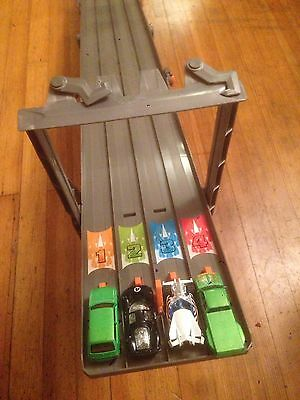 Hot Wheels Raceway Racing Track 4 Lane toy With 4 cars folds. Set C.