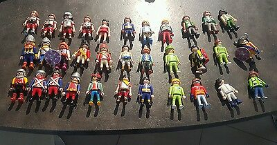 lot 32 personnages playmobil