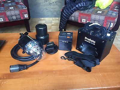 Profoto Acute B 600R Battery Pack With Acute B Flash Head And Battery