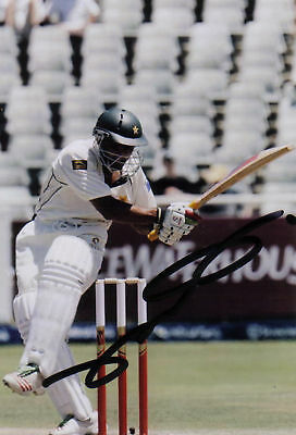 PAKISTAN: YASIR HAMEED SIGNED 6x4 TEST ACTION PHOTO
