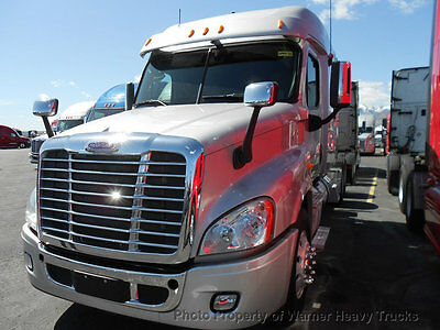 2013 Freightliner Cascadia Mid Roof Xt Detroit Dd15 505Hp 13 Speed Transmission
