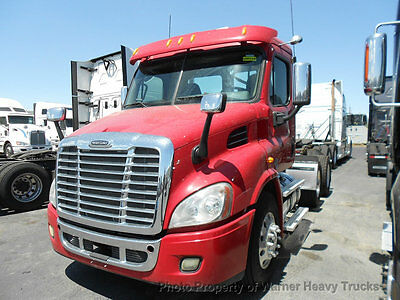 2014 Freightliner Cascadia Day Cab Detroit Dd13  450Hp 10 Speed Transmission