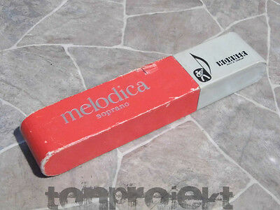 alte Box Packaging Hohner Melodica Soprano MISPRINT ROT 1950` Germany