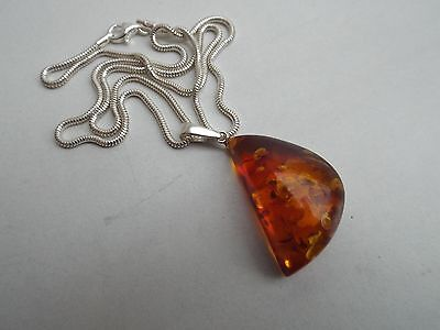 Natural Baltic amber pendant on silver chain - 8.3 grams