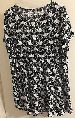 Old Navy Women's Maternity XL Black And White Floral Top