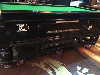 Snooker pool billiard table With Cues And Balls