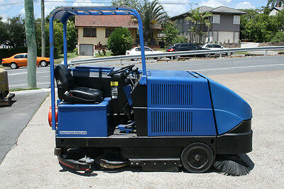 Ride-on Sweeper, Scrubber Combination Gas machine