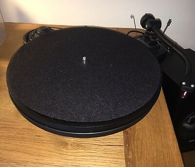 Pro-Ject Genie RPM 1.3 Turntable With Brand New Replacement Stylus
