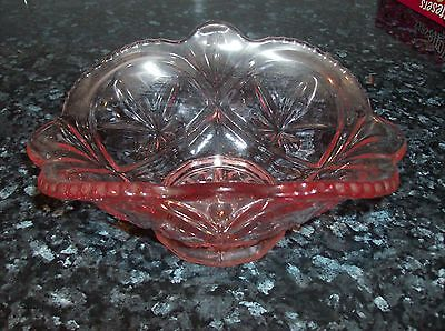 beautiful vintage large oval pink glass bowl/dish excellent used condition (D)