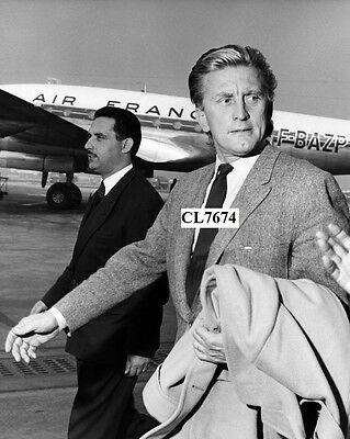 Kirk Douglas Arrives at Orly Airpor in Paris, France.Photo