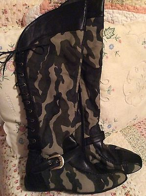 Size 5   Black Green  army Camaflauge  Laced At The Back boots