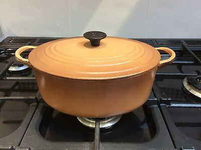 Le Creuset Oval 25 cms Casserole Dish, Nutmeg Brown - Cast iron made in France